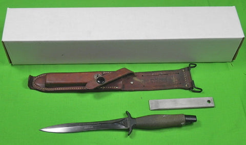 US 1967 GERBER MK2 Commando Fighting Knife # 3972 & Sheath