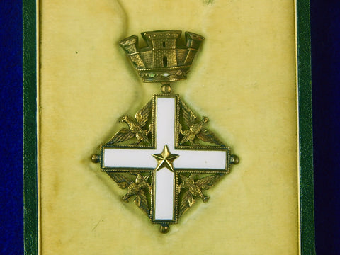Vintage Italian Italy MERIT Enameled Cross Order Medal Badge w/ Box