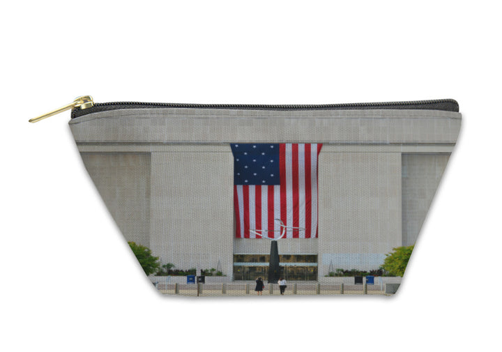 Accessory Pouch - Entrance to the National Museum of American History - Washington DC