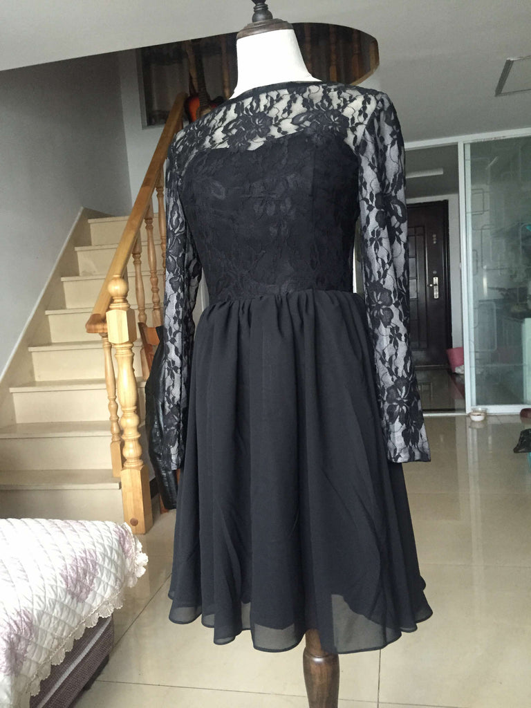 D248 Black Lace Long Sleeve Short Prom Gowns, Back V Neck Homecoming Dresses