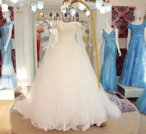 D263  Luxury One Boat Neck Wedding Bridla Gowns, Heavy Handmade Beaded Wedding Dresses
