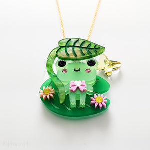 Kuma Village Frog and Lillypad Necklace Set