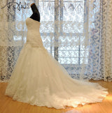 Luxurious Croset Bodice Lace Mermaid Wedding Gown