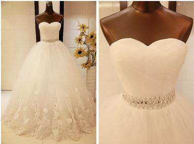 New Arrival Bridal Sweetheart Neckline Wedding Gown