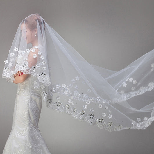 White Vintage Cathedral Long Lace Bridal Veil