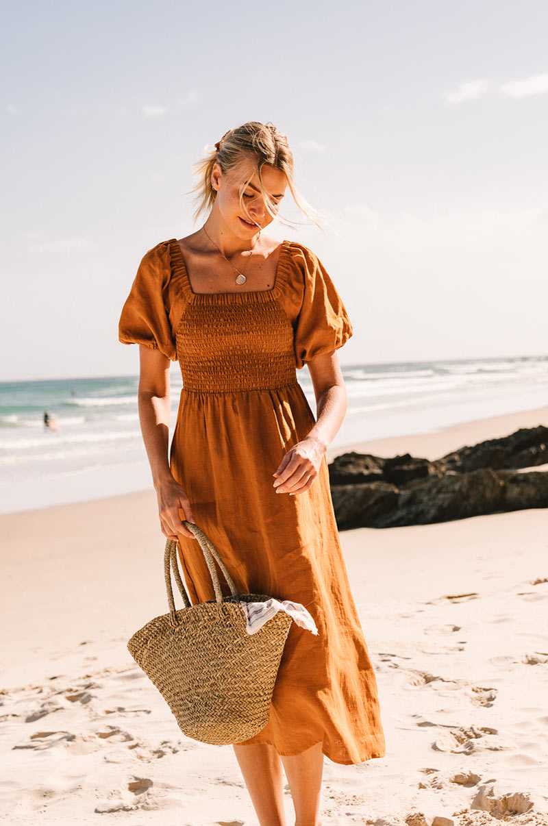 VOYAGE Midi Dress - ochre linen