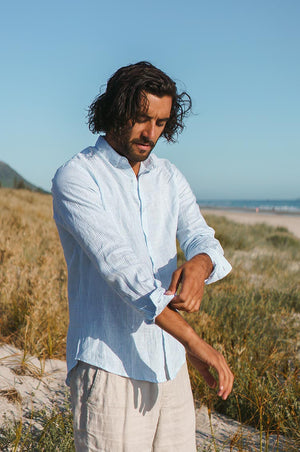 MEN'S LINEN Shirt - light blue striped