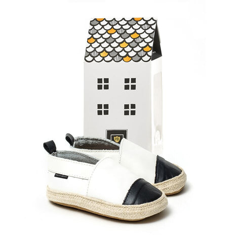 PRETTY BRAVE WHITE WITH BLACK TOE ESPADRILLE