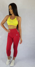 ABS2B Fitness Apparel | Marilyn Munroe Waistband | Red Scrunch Booty Capris