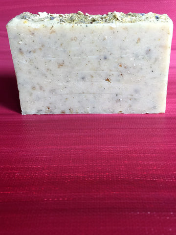 cold processed soap, artisan soap, soap for sensitive skin, soap for eczema, lavander soap, chamomile soap, goats milk soap, oatmeal soap, oatmeal and goats milk soap, all natural soap, old fashioned soap, heart key creations, heart key creations soap, mild soap