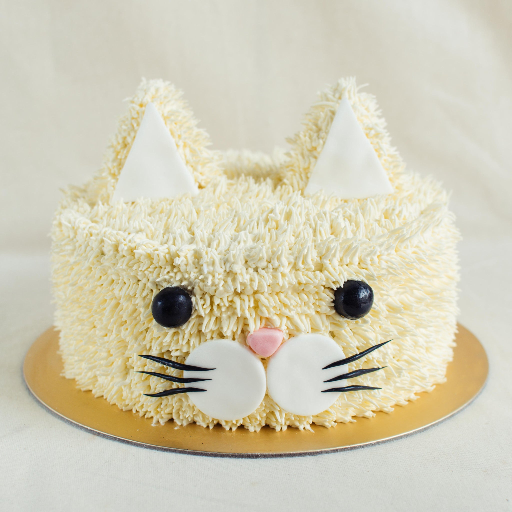 3D Cat Cake - Custom Bakes by Edith Patisserie