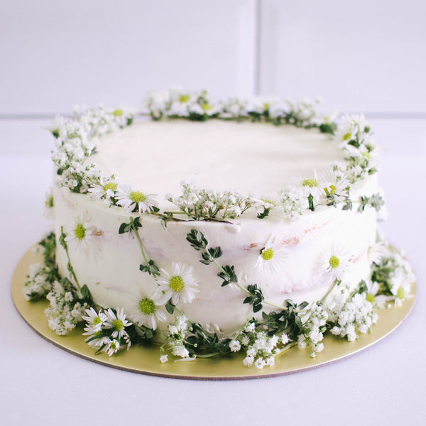 Rustic Daisies & Baby's Breath Cake - Custom Bakes by Edith Patisserie
