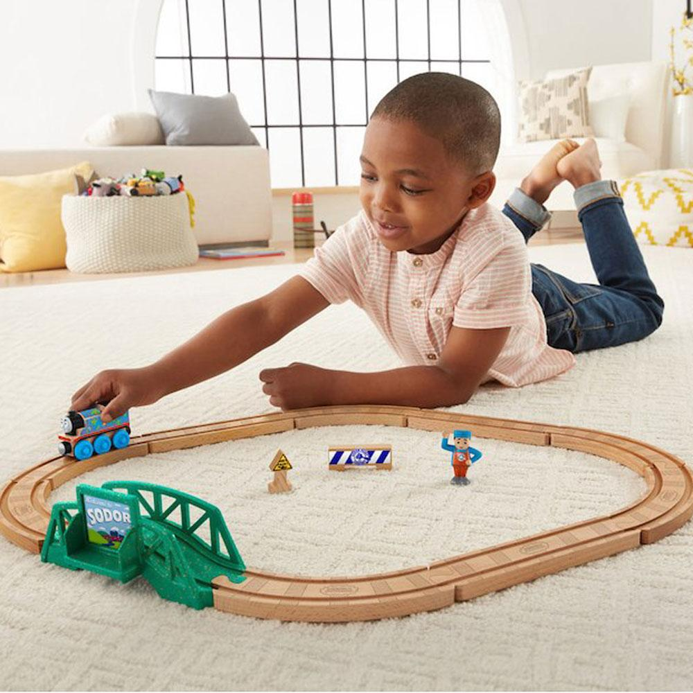 Thomas and Friends Thomas & Friends Wood 5-in-1 Builder Set - Buy Online
