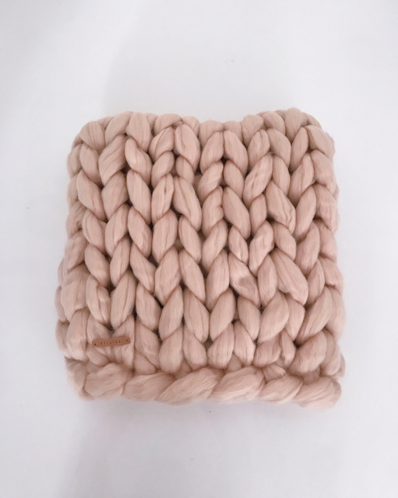 Chunky blanket by FILLOWS Large