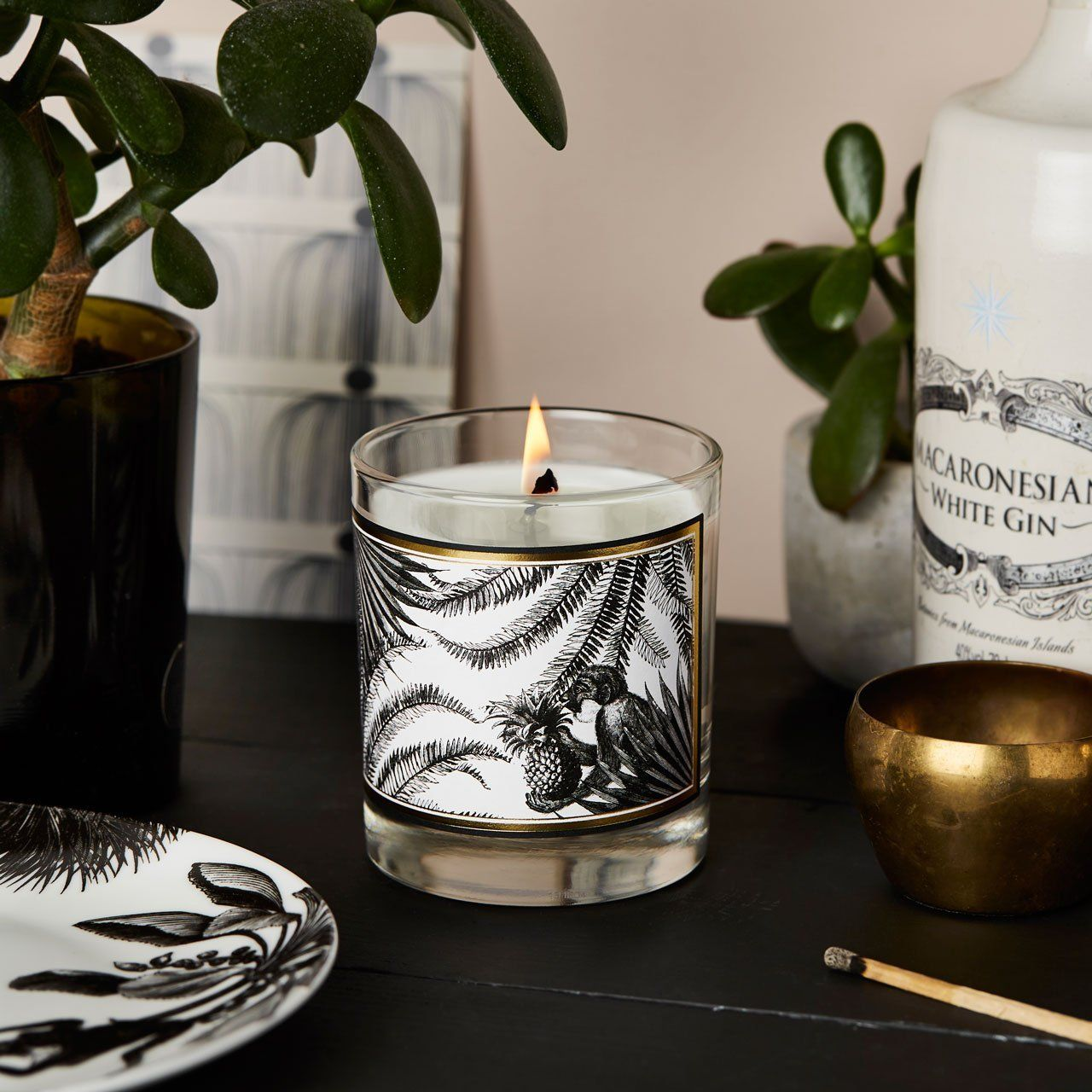 The Tropical Paradise Glass Candle - Chase and Wonder - Proudly Made in Britain