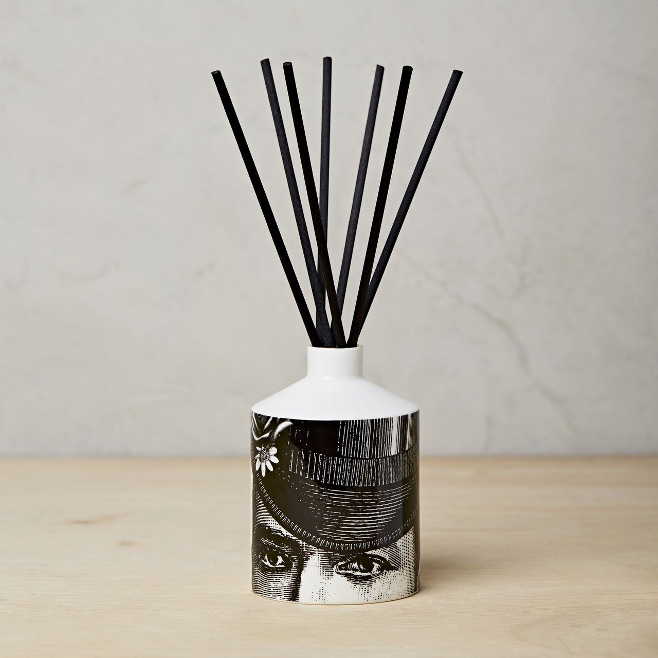 The Dashing Gent Ceramic Diffuser - Chase and Wonder - Proudly Made in Britain