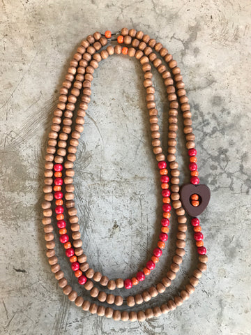 Necklace with wooden beads and heart
