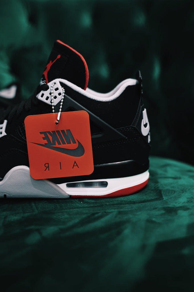 Air Jordan Retro 4 Bred