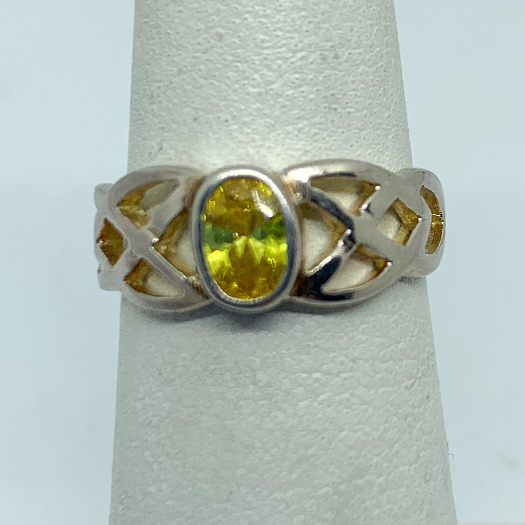 Ring: Sterling Silver Yellow Stone