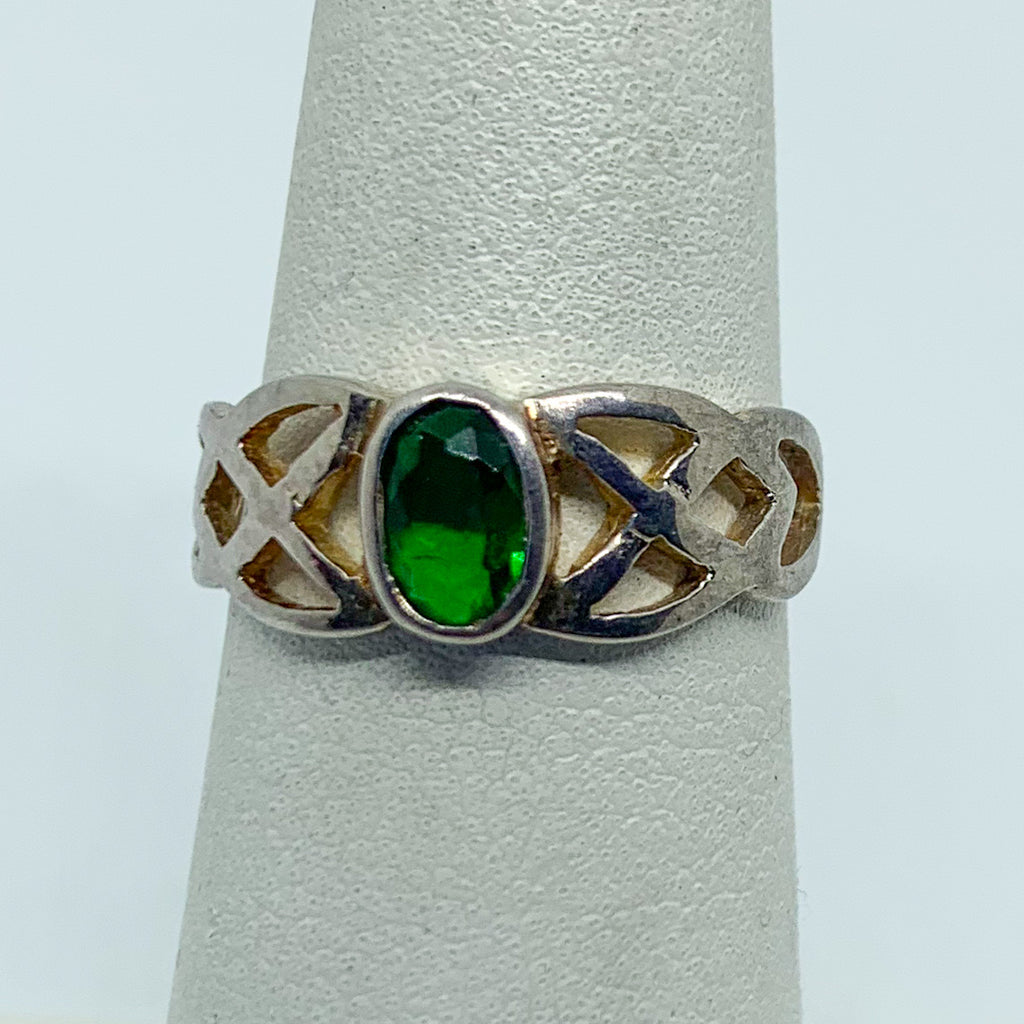 Ring: Sterling Silver Green Stone