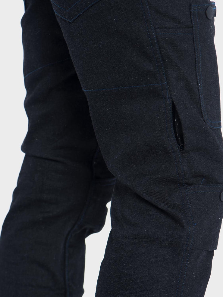 Protective motorcycle riding jeans with stretch with Dyneema® by ZIN Motowear. Model R66. Side air vent.