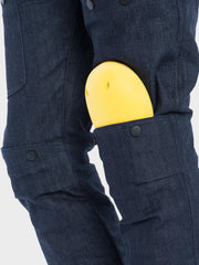 Protective motorcycle riding jeans with stretch with Dyneema® by ZIN Motowear. Model R66. City knee protectors.