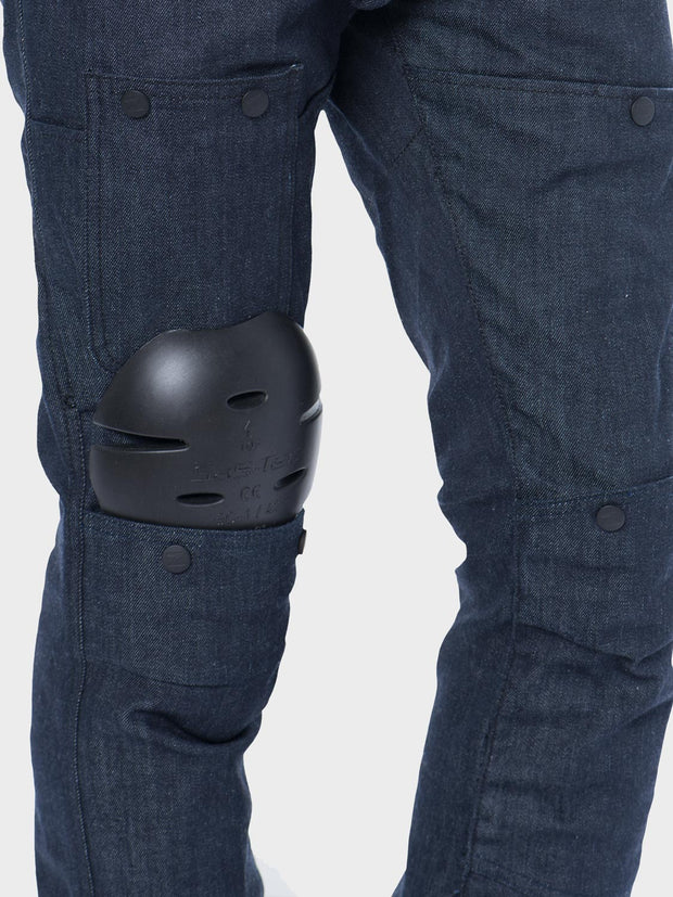 Protective motorcycle riding jeans with stretch with Dyneema® by ZIN Motowear. Model R66. Touring knee protectors.