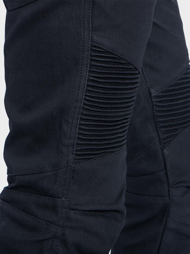 Protective motorcycle riding jeans with Dyneema® by ZIN Motowear. Model D618.