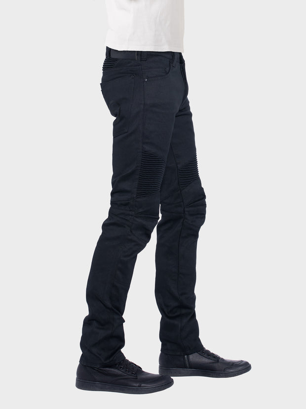 Protective motorcycle riding jeans made of stretch denim with UHMWPE by ZIN Motowear. Model D618.