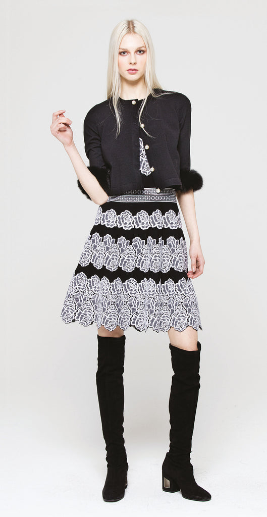 Sleeveless lace print knit dress