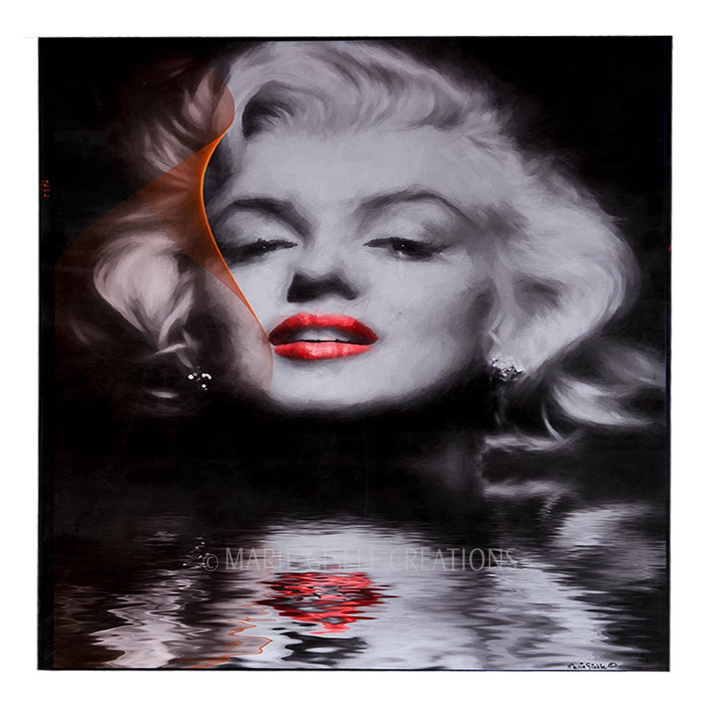 Reflection of Marilyn