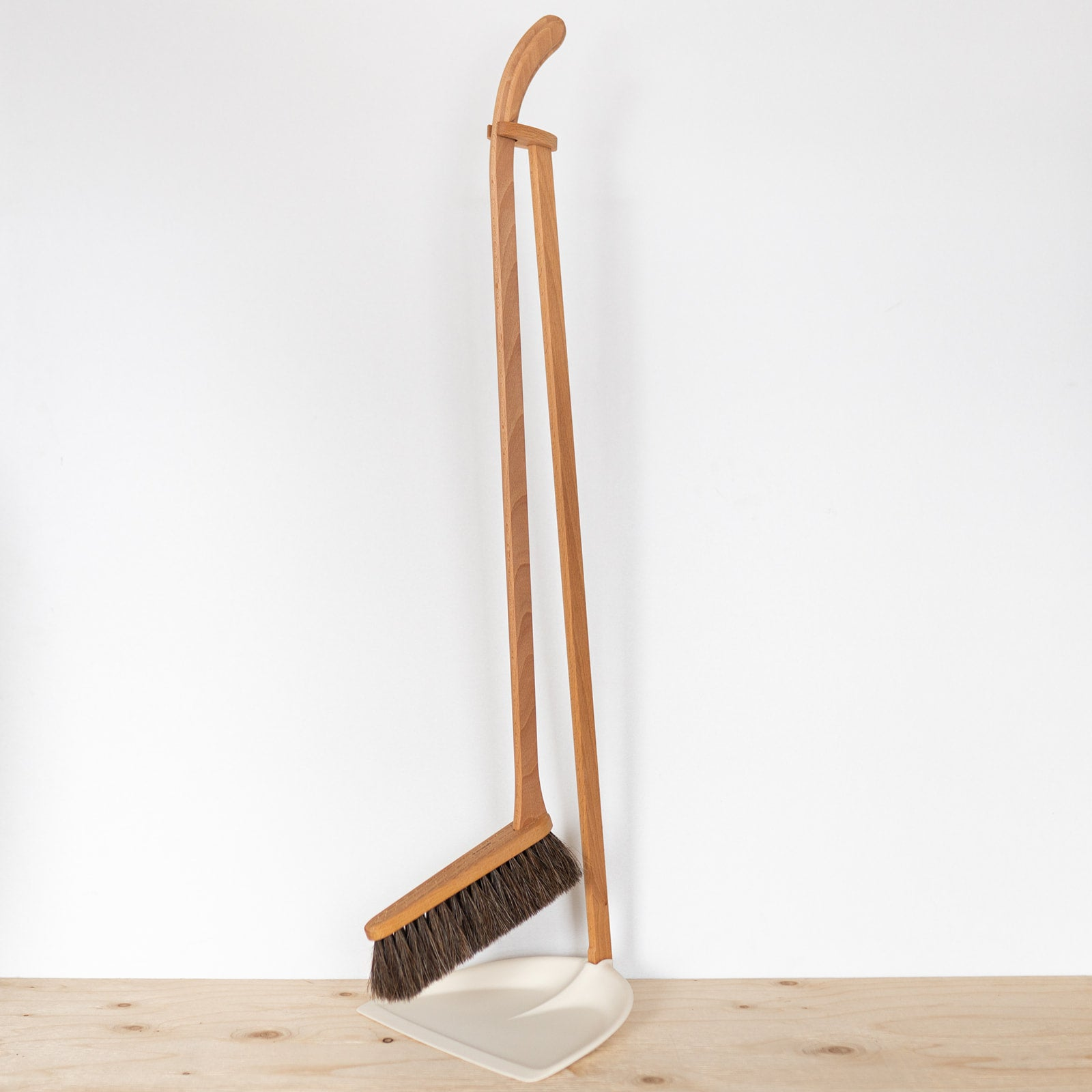 White Upright Dustpan & Brush - Rug & Weave