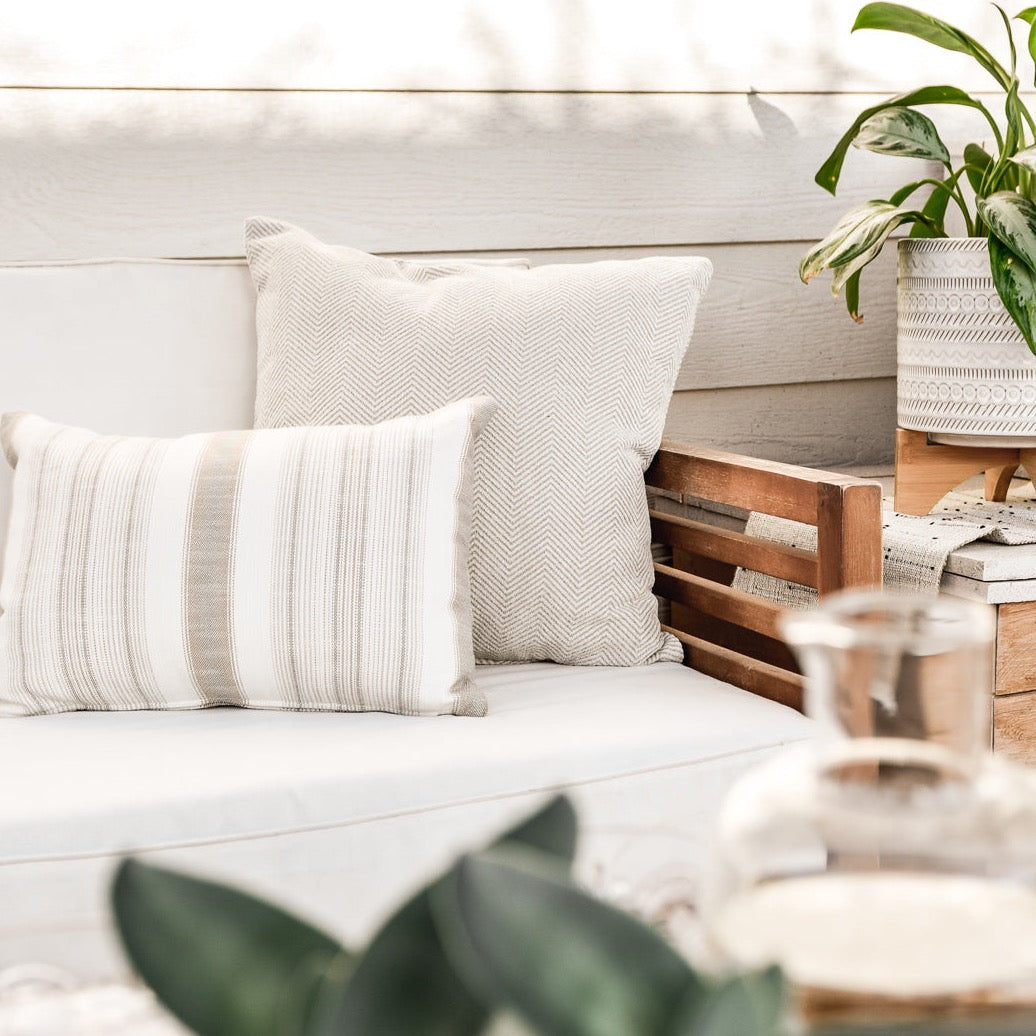 Plum Throw - Rug & Weave