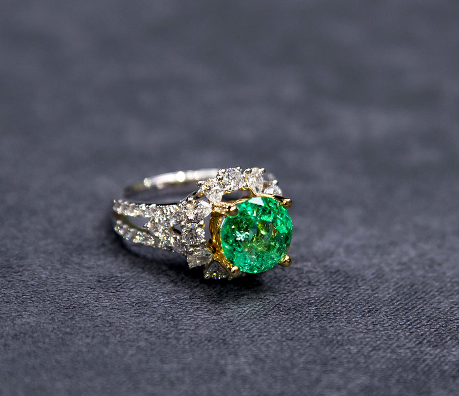 <font size=6>Empire G.<br><br> <font size=5>Emerald Jewelry House, Dubai