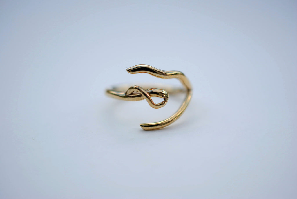 Infinity Yellow Gold Thicker Roots Ring