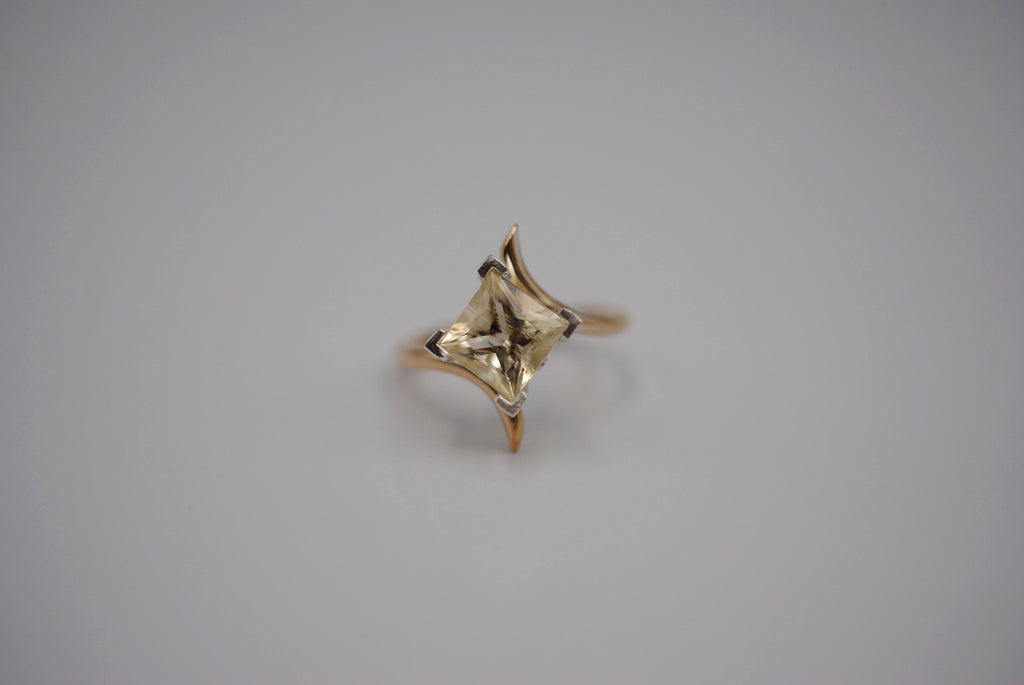 Oregon Sunstone Yellow Gold Bypass Ring