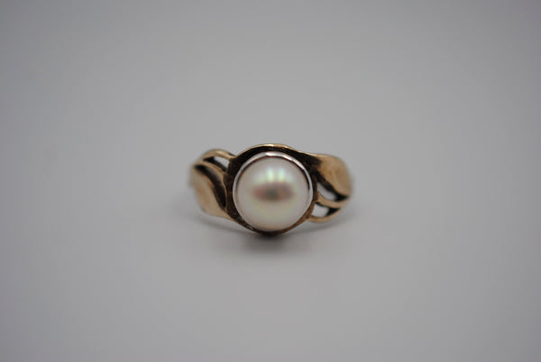 Two Tone Pearl Ring