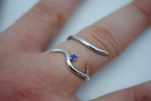 Vine Rhodium Roots Ring with Amethyst Gemstone