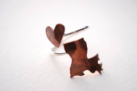 Louisiana Heart Place Ring