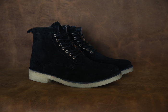 HOUND & HAMMER The Hunter Boot in Black Suede