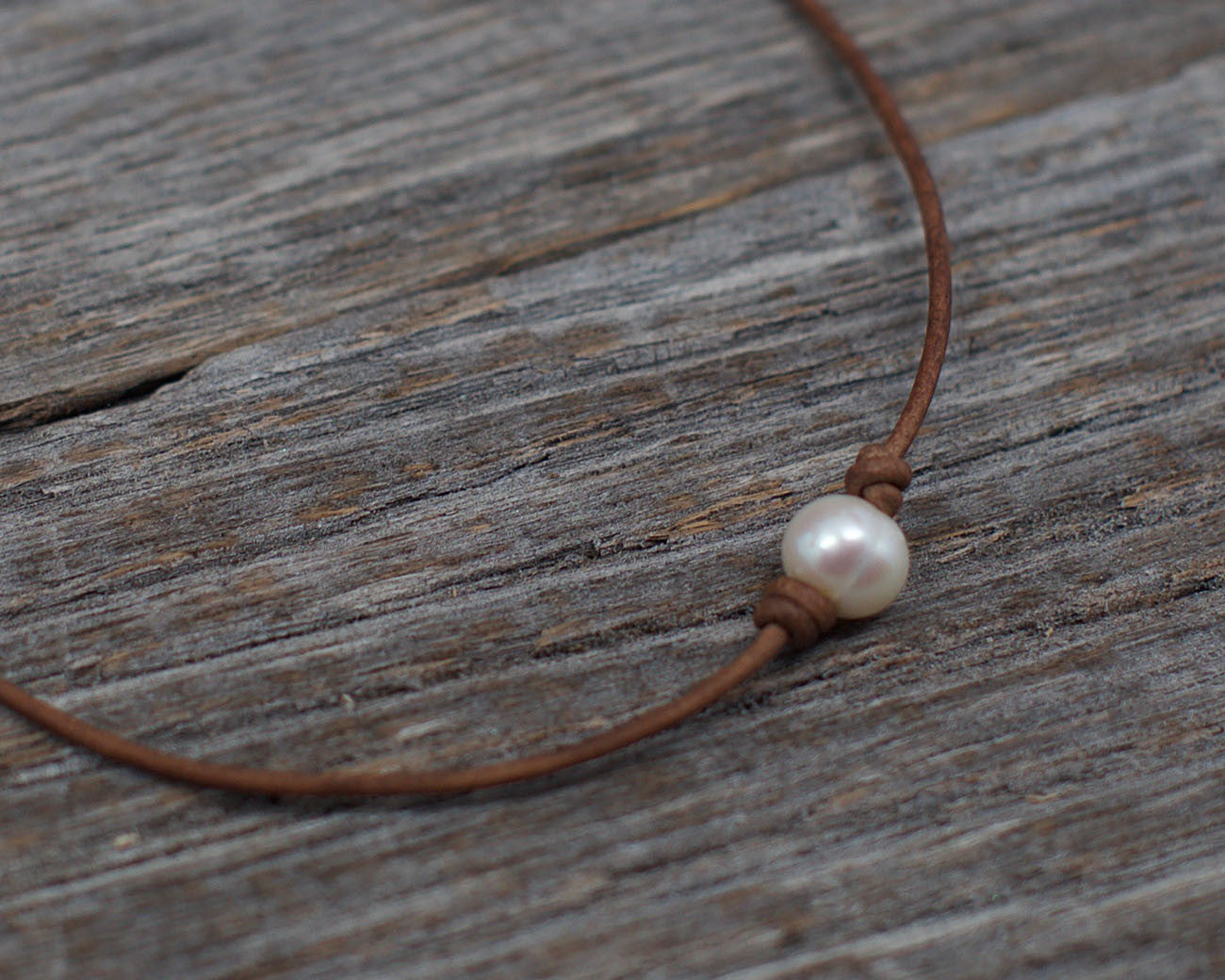 Angie Laugel Artist – White Single Pearl Choker