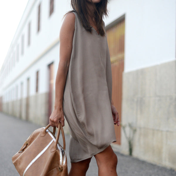 Women's Sleeveless V Neck Dress - Folio Trends