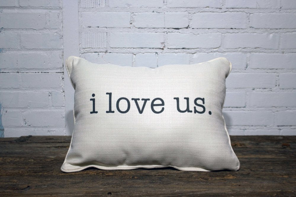 I LOVE US rectangle Linen Farmhouse Throw Pillow