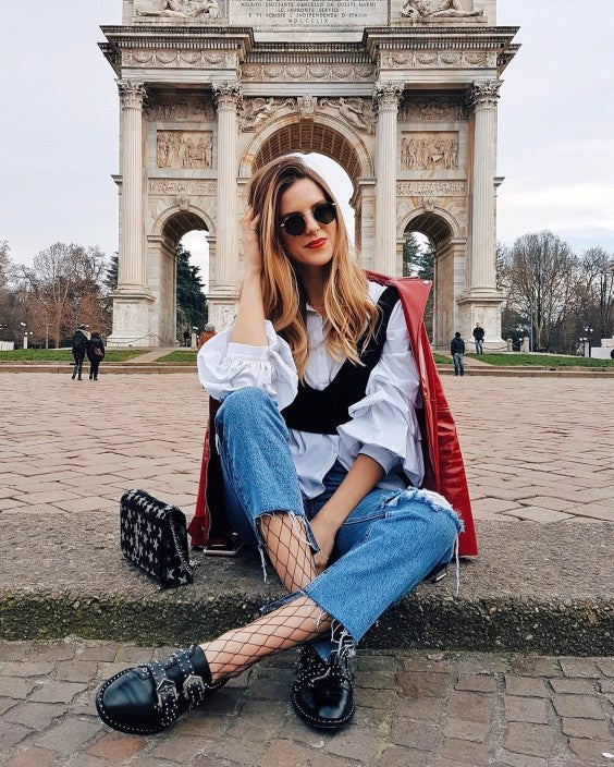 6226facaccdc4 via bloglovin   short sweater + double waist cropped jeans + black boots