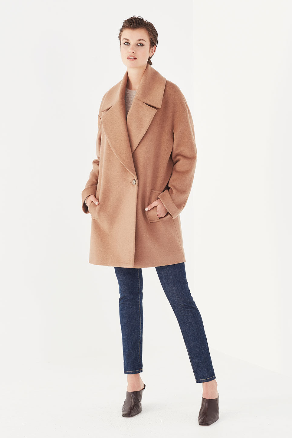 The Finn Coat in Camel