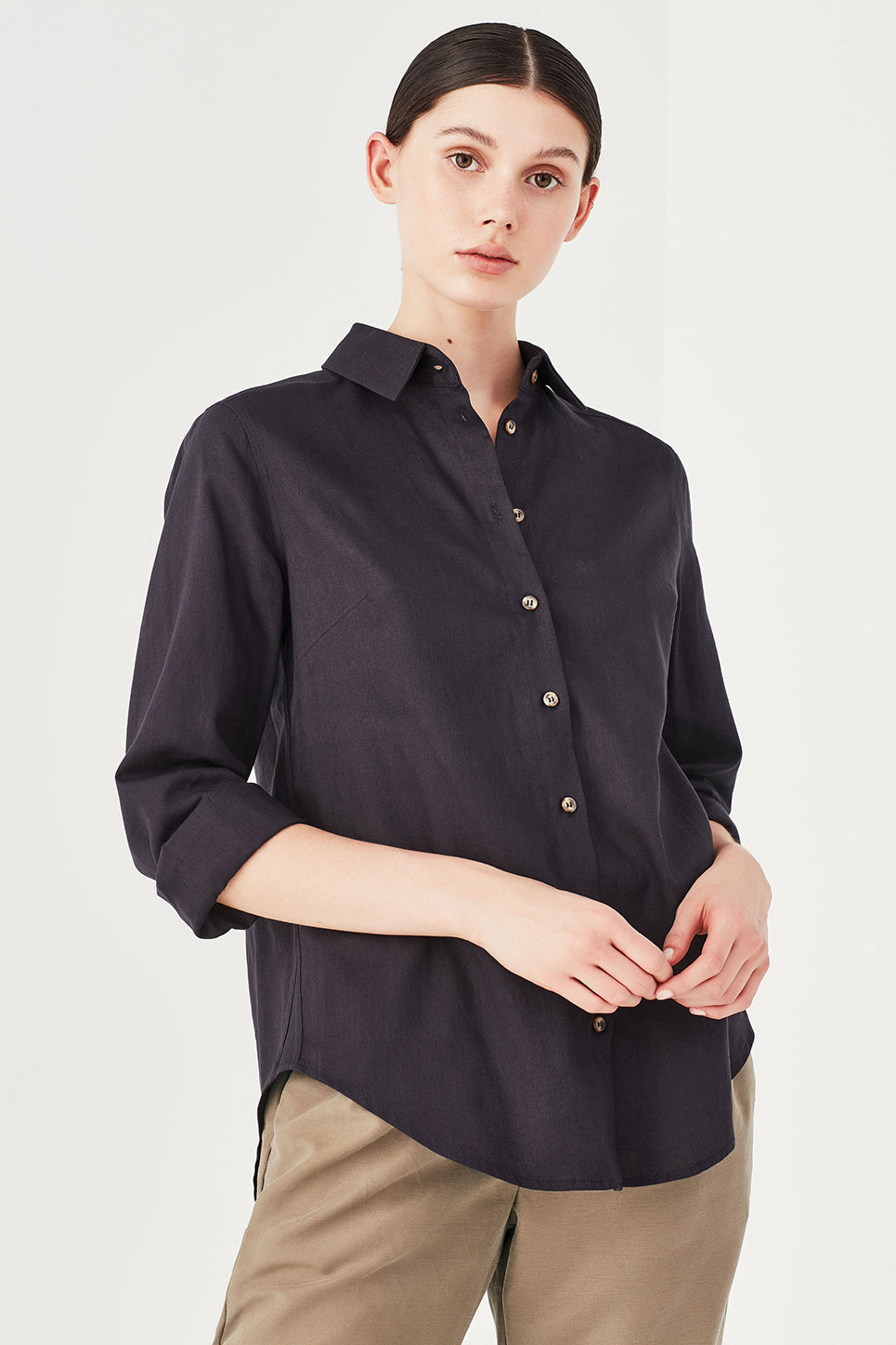 The Turret Shirt in Navy