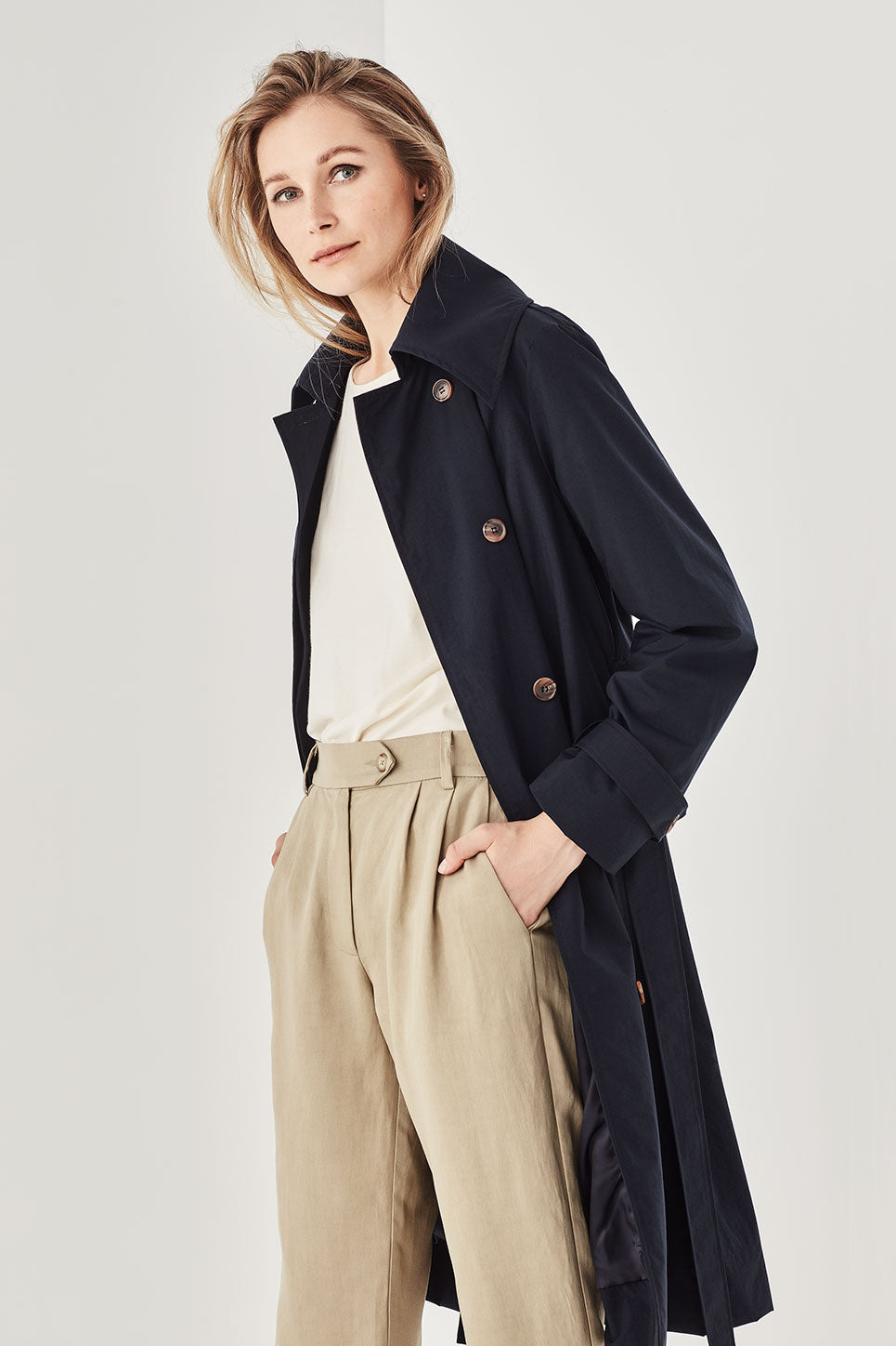 The Caspian Coat in Navy