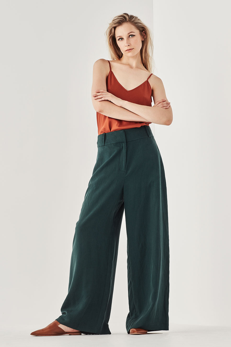 The Kingswood Pant in Pine