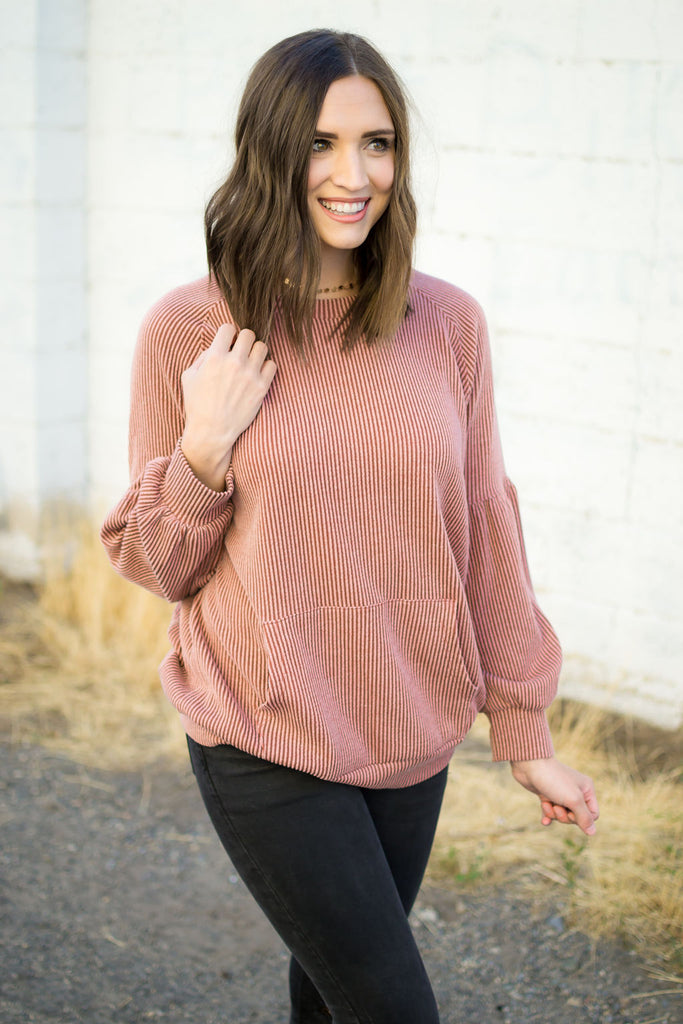 Ribbed Front Pocket Top in Mauve