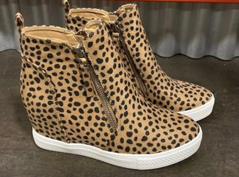 Cheetah Wedge